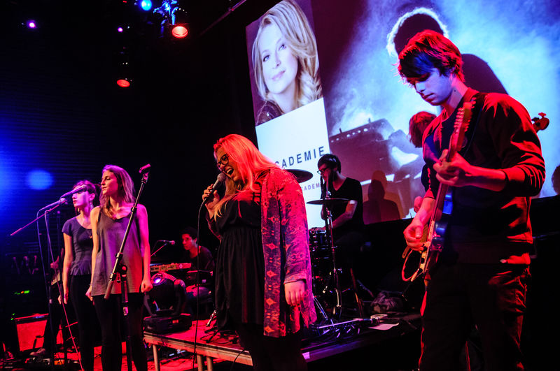 The Academy of Pop Music organises regular band nights and concerts (also by lecturers) in Poppodium Atak in Enschede and Metropool in Hengelo.